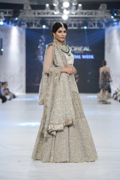 pakistani designer heavy embroidered white bridal lehnga 2016-2017