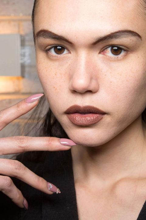 nyfw fall 2016-2017 swarovski embellished nails