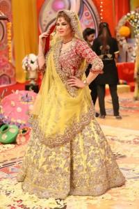 Pakistani Bridal Mehndi Dresses 2018 lehnga Choli