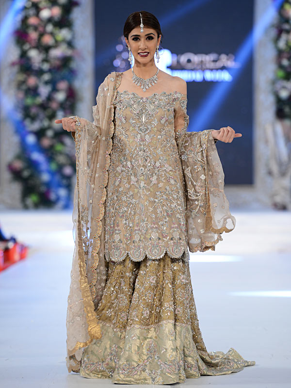 Top designer bridal walima dresses 2017 in pakistan for Top wedding dress designers 2017