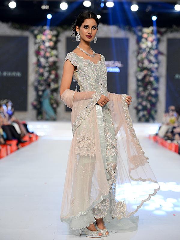 Pakistani Designer Walima Dresses 2017 in light pink color