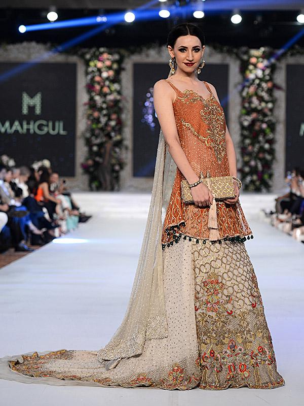 Pakistani Designer Walima Dresses 2017 color combinations