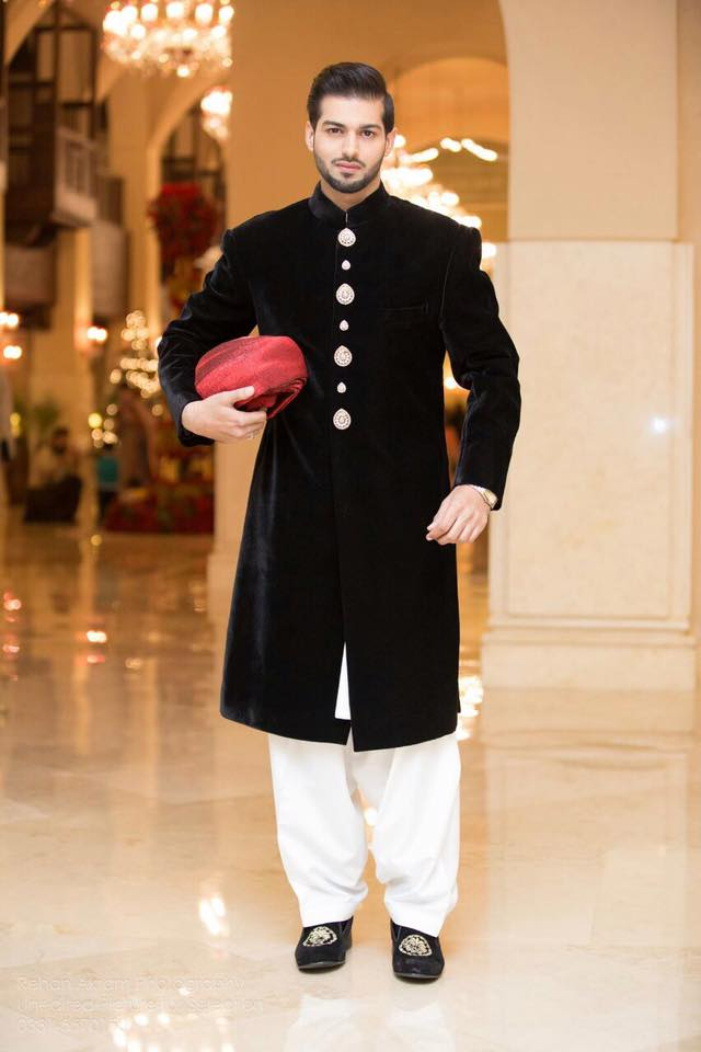 Pakistani Men Wedding Dresses for Groom