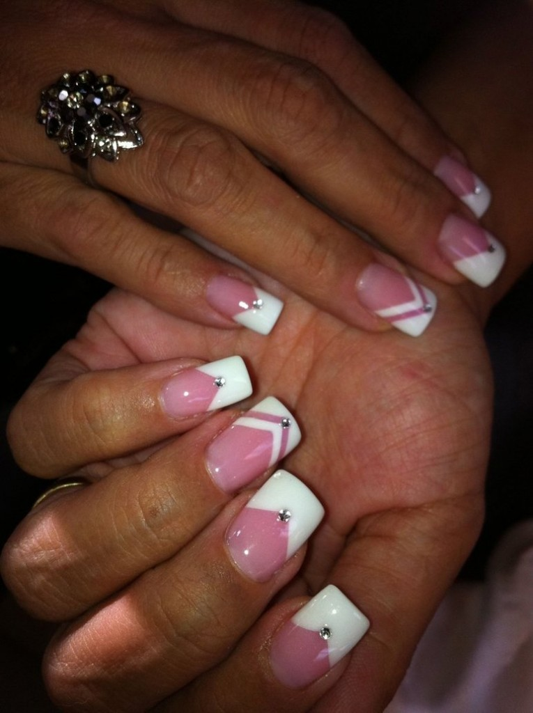 classic French nails for spring/ summer 2017