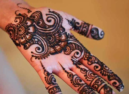 Beautiful Pakistani Mehndi Design for Eid Ul Fitr 2017