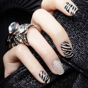 best black and white eid party nail art designs 2017 for pakistani girls