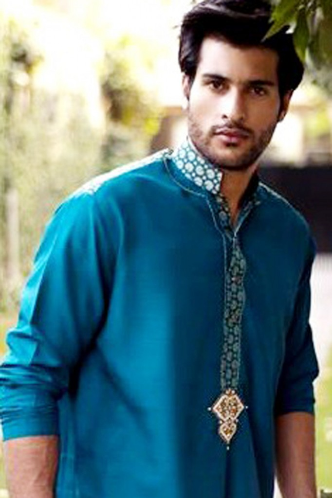 Mehndi Kurta Designs 2017 For Men In Blue Color