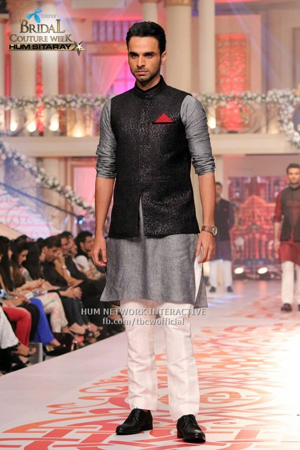 Mehndi Kurta Designs 2017 For Men In Grey Color