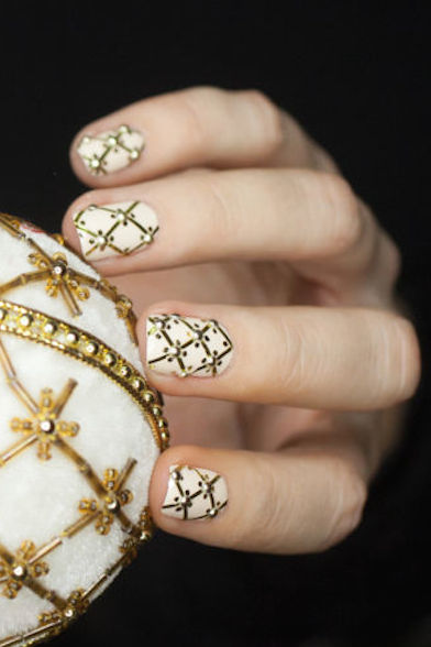 Beautifuloff White and golden Nails For Wedding