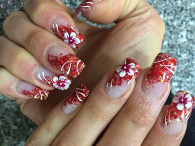 red floral nails 2021 for wedding