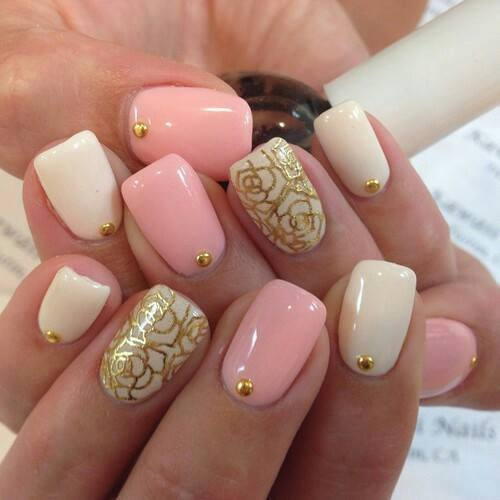Gorgeous Pink and golden Nails For Brides