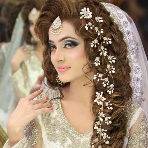Hairstyles Pakistani Waleema: Latest Pakistani Bridal Hairstyles 2017 For Girlslatest