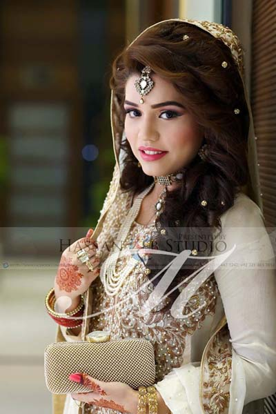 Pakistani Bridal Hairstyles 2017 For Walima Day