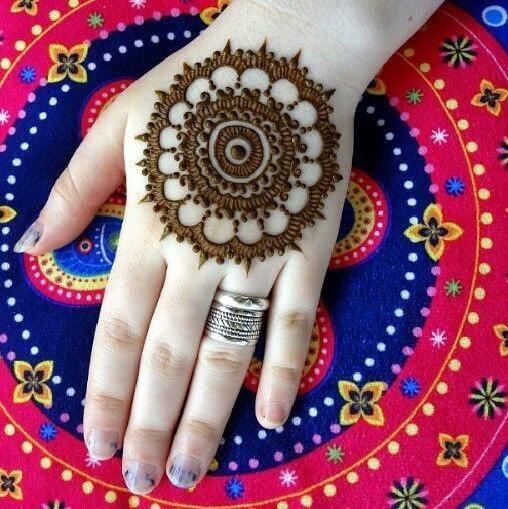 Mehndi Designs For Hands Tikki : Easy round design gol tikka mehndi for hands