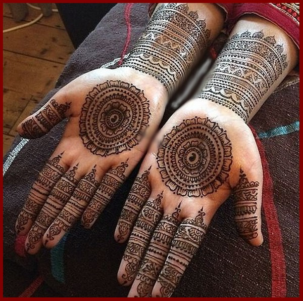 Simple Gol Tikka Mehndi Designs