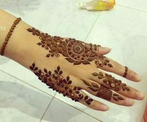 Arabic henna tattoo for Hands