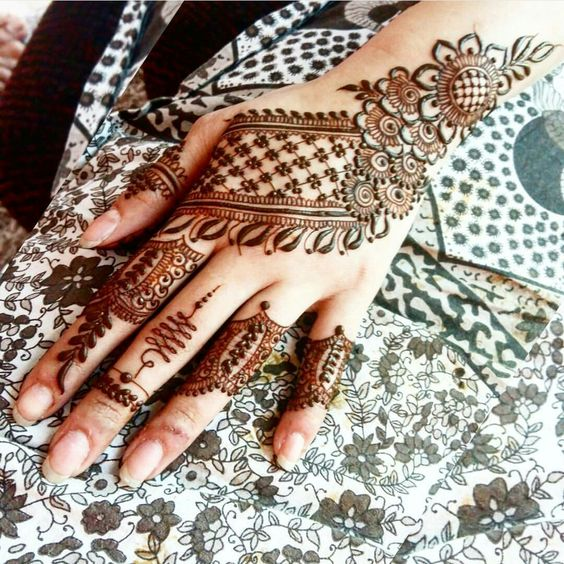 Eid Henna Tattoo for Hands