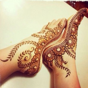 Latest Simple Arabic Mehndi Designs For Eid Feet
