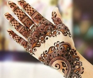 Beautiful Eid Mehndi Design Arabic