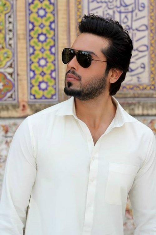 Fahad Mustafa In Aviator style Sunglasses