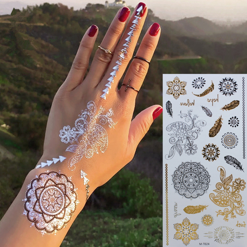 Stunning White Mehndi for Christmas 2017
