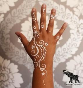 Simple White Henna design 2017 for Eid