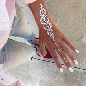 Easy White Mehndi Designs for Eid 2017