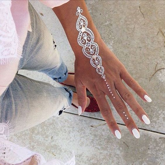 Easy White Mehndi Designs for Eid 2017