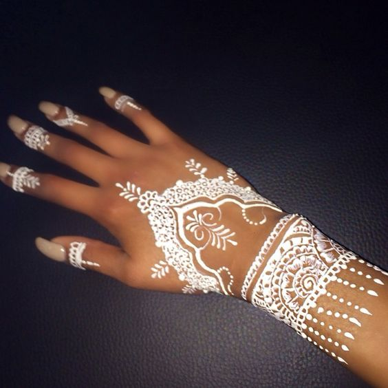 beautiful white mehndi for wedding 2017