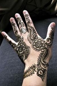 Best Punjabi Henna Designs for Back of Hands