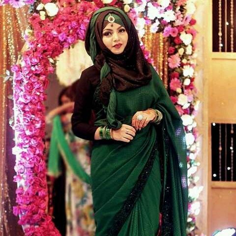 modern saree with hijab