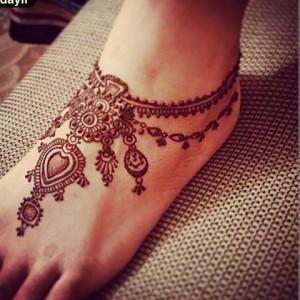 Stylish Foot Henna Design for Eid