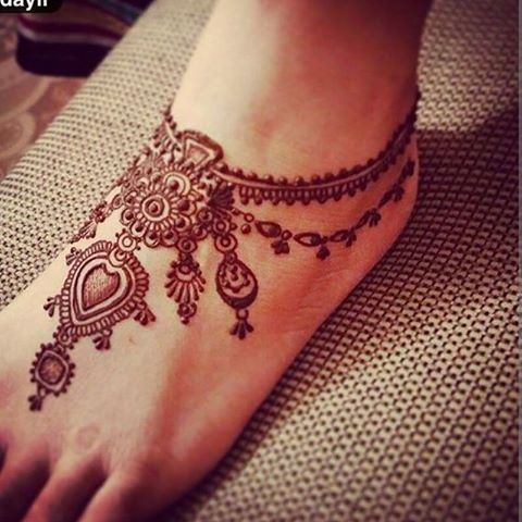 Stylish Foot Henna Design for Eid