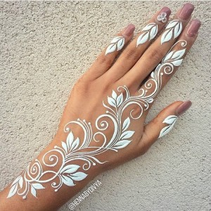 New Style White Henna Design for Eid 2017