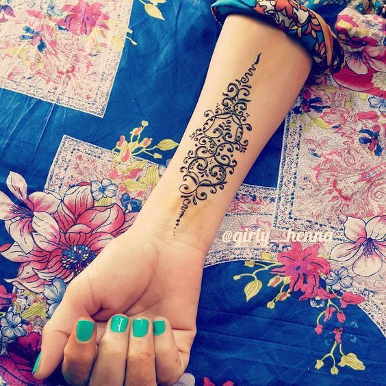 Beautiful Wrist Mehndi Design for Eid ul Azha