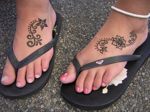 Simple Henna Tattoo for Feet