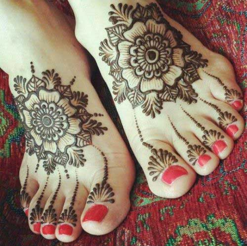 New Style Eid ul Adha Mehndi Design 2017 for Feet