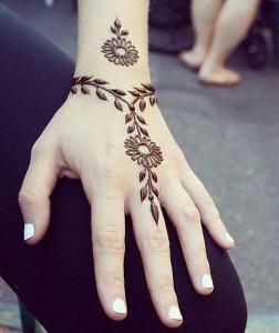 Easy Mehndi Design for Hands