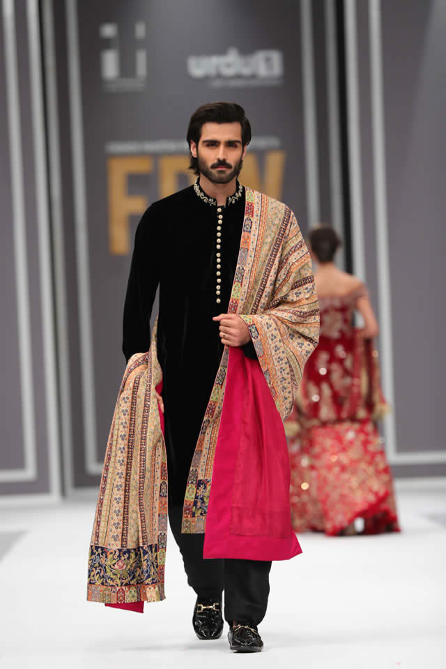 Pakistani Sherwani Designs with Groom Shawl