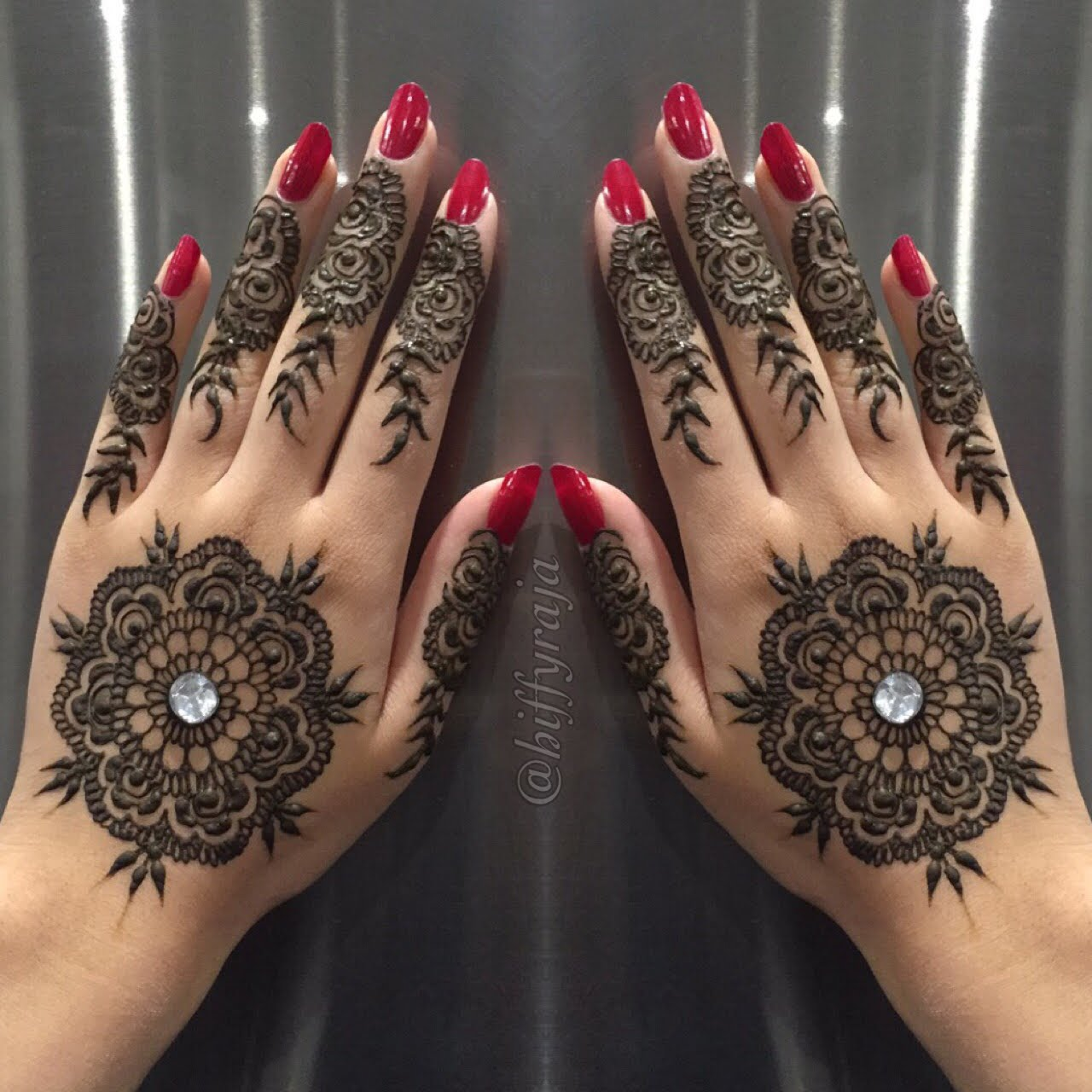 Arabic Mehndi Design For Men: 42 New Arabic Mehndi Designs For Every Occasion (9
