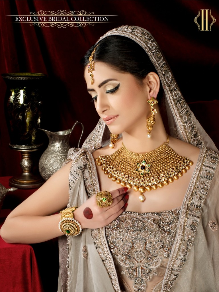 Pakistani Jewelry Designs for Bridal Gold Sets