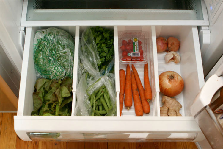 Easy fridge Cleaning and Organising Tips