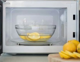 How I Use 4  Quick Microwave Cleaning Hacks
