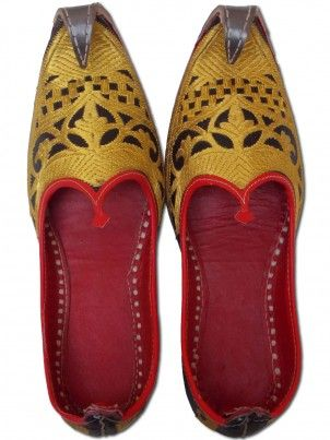Golden embroidered Mens Khussa Shoes For Every Occasion