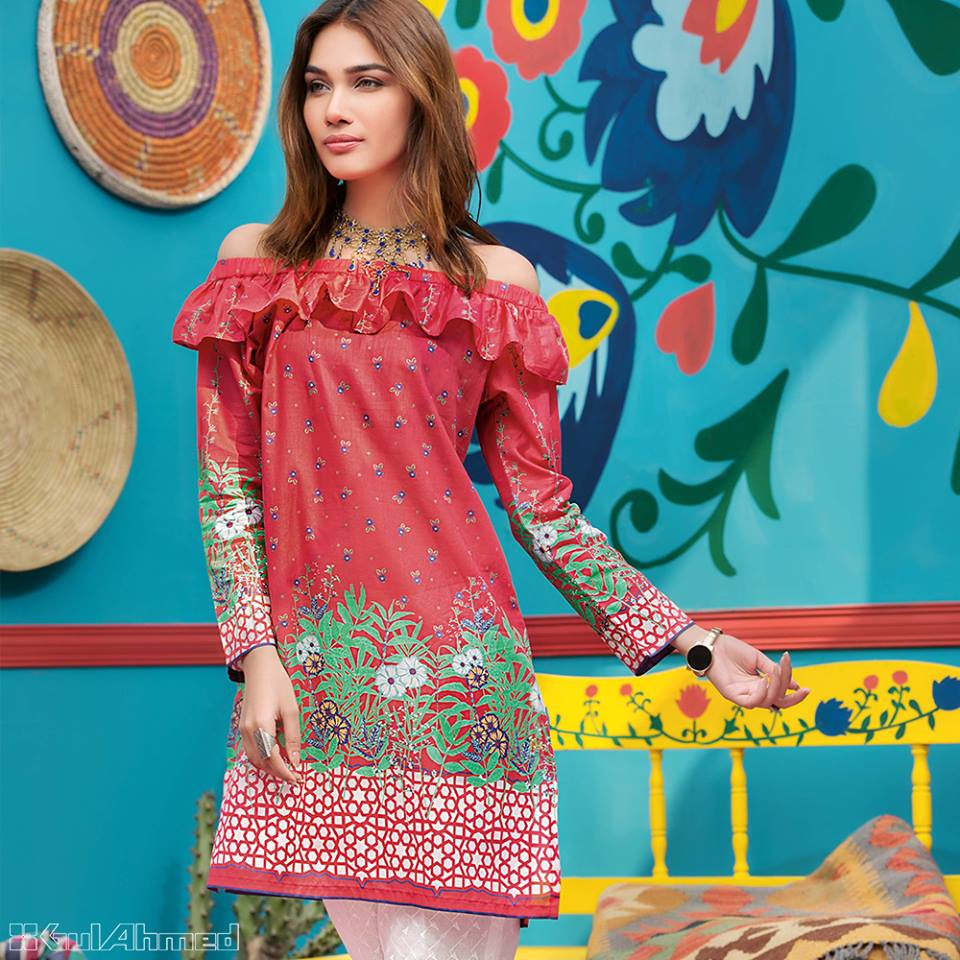 49b5020a68 50+ Stylish Lawn Dresses Stitching Designs In Pakistan | FashionGlint